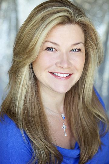 Kim Tierney Headshot